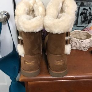 makalu Shoes - Brand new winter/fall boots